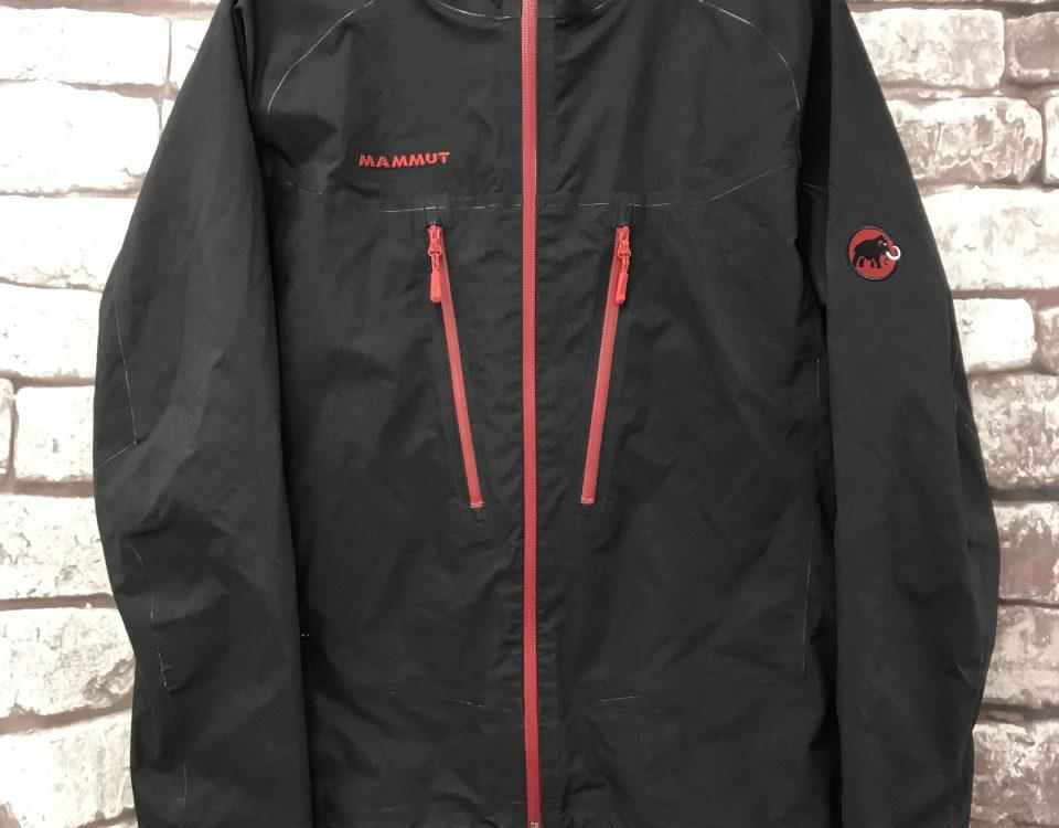マムートのジャケット